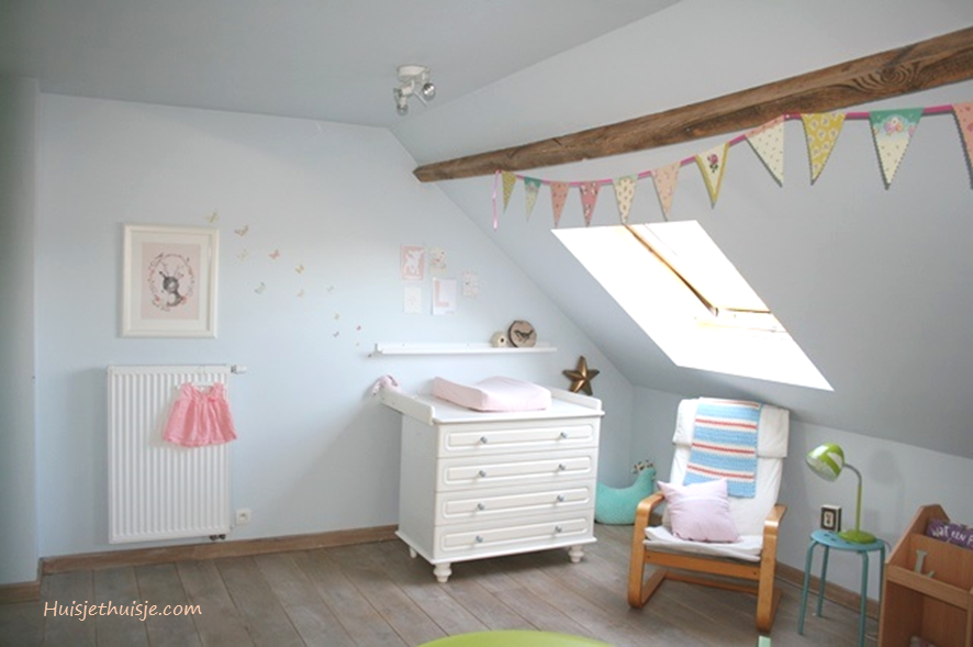 Babygirls nursery in pastels - bunting - wallart - deer-butterflies wallsticker