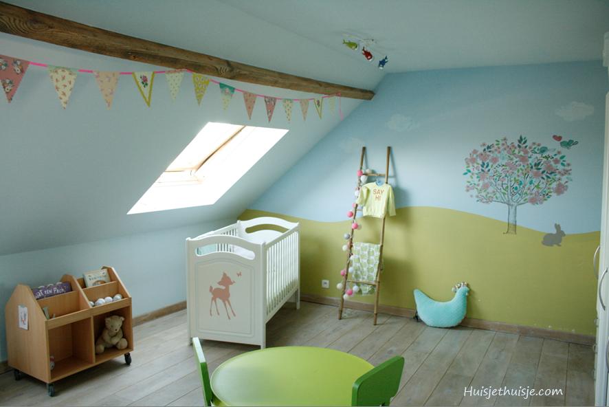 Babygirls nursery in pastels - tree wallsticker - bunting - cotton ball lights - ladder