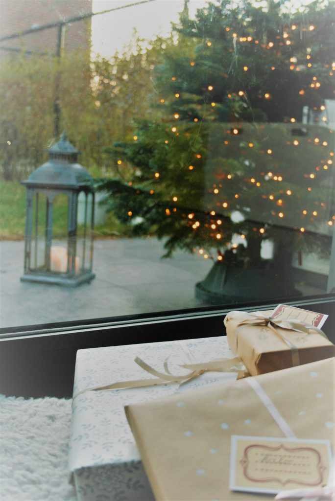 huisjethuisje-christmas-tree-gifts