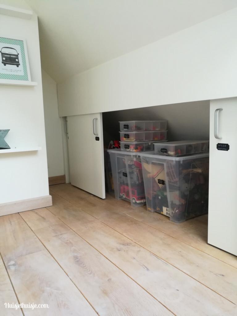 Huisjethuisje-zolder-kast-playmobil-organisatie-bakken
