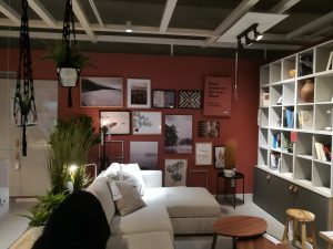 Ikea-livingroom-red-gallerywall